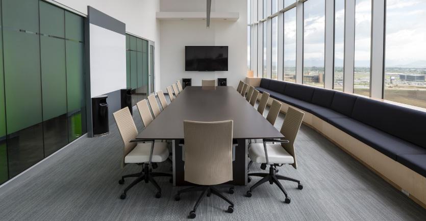 ホール・食堂・会議室の<br>AV設備リニューアル